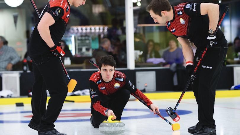 Tagesbericht zur Eröffnung der Schweizer Meisterschaften und zur ersten Spielerunde bei den Frauen und bei den Männern